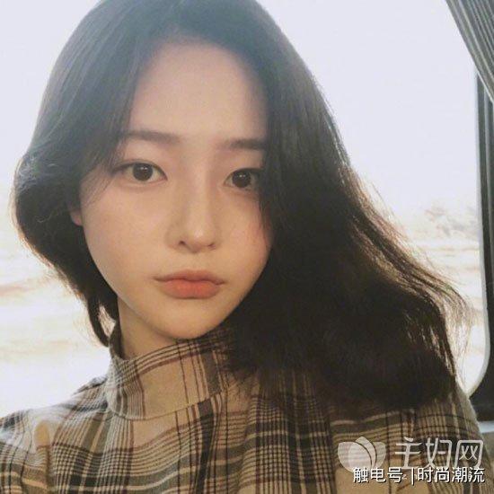 推荐 2018年流行的女生发型图片  长度齐肩的发型可是近两年以来流行图片