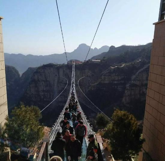 安徽芜湖 风景吊桥