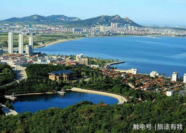 荣成境内景点繁复,风光迷人,风景秀丽,最为闻名的景点有威海赤山风景