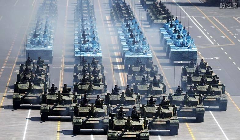 2019年军事排行_庆祝中国人民解放军建军90周年阅兵 受阅部队整装待阅