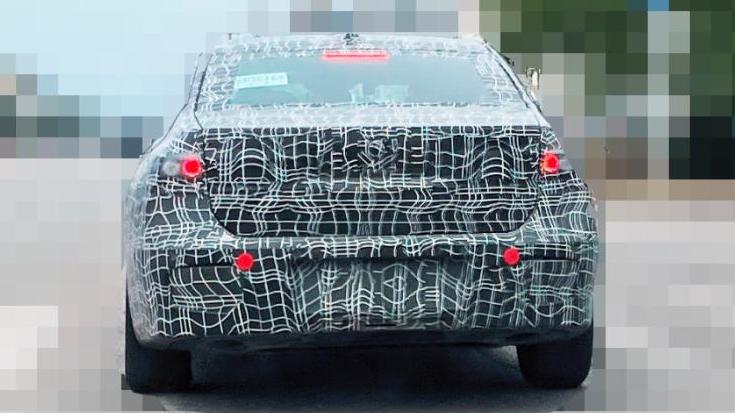 新车谍照|传祺GS8将搭载丰田的混动系统,全新宝马7系玩复古